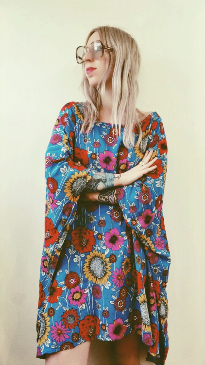 Mini caftan moderne en fleurie a la mode pour 2017/2018