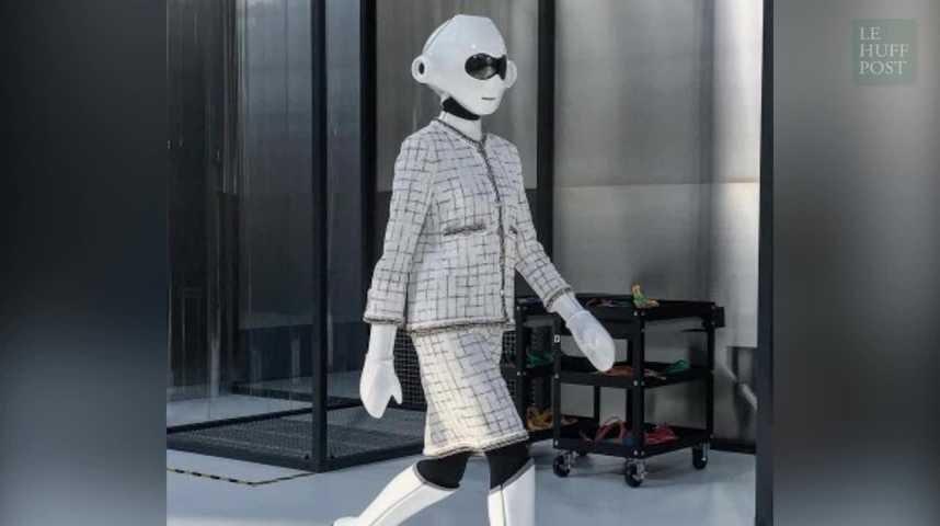 Pour sa collection Printemps-Été 2017, Chanel fait défiler des robots