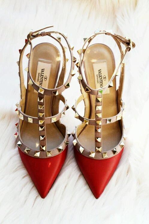 Escarpins à bouts ouverts VALENTINO Rouge, idéales pour les fêtes d'amour