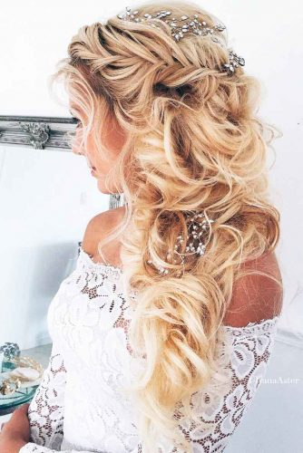 Coiffure Mariage Cheveux Laches Boucles Millaulespiedssurterre