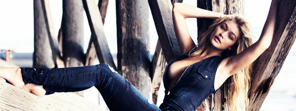 Quand Gigi Hadid débarque à Milan, le mannequin ose le total look jean. Chemise en jean tendance Guess