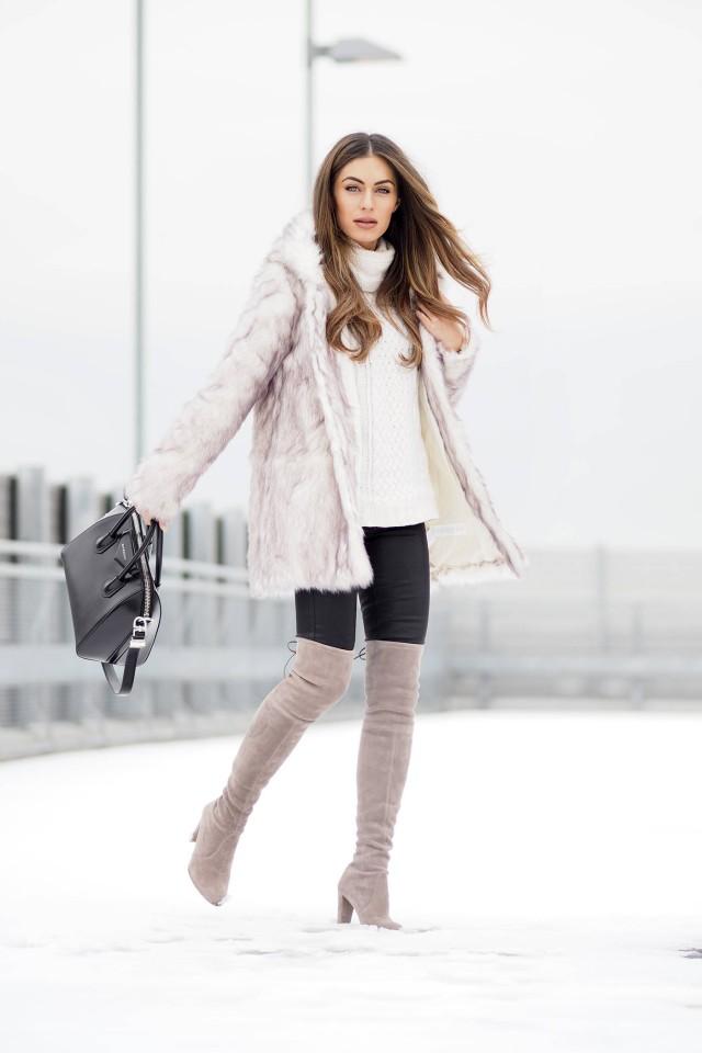 En hiver on peut combiner ses bottes avec un manteau fourrure, l'effet est superbe! - Cuissardes ANNA FIELD