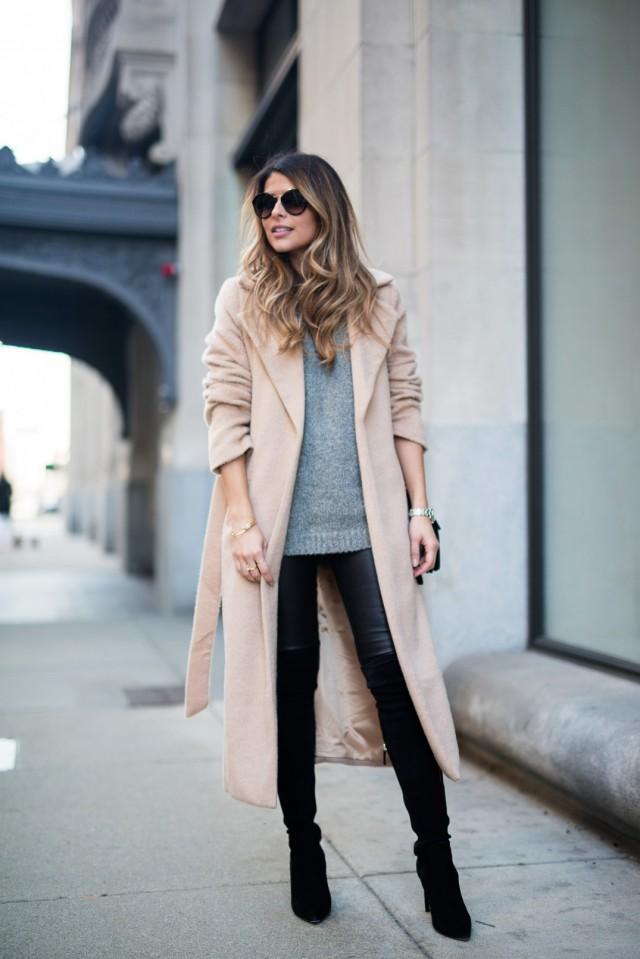 en haut ? On casse le côté sexy avec des matières doudou : un gros pull en laine, en mohair ou en cachemire.