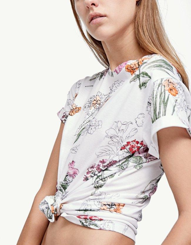 Stradivarius collection été 2017 - Les nouveautés été : T-shirt imprimé fleurs