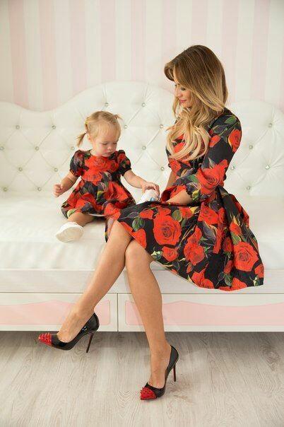 mode m re fille 70 des plus beaux look assortis pour m re et fille. Black Bedroom Furniture Sets. Home Design Ideas