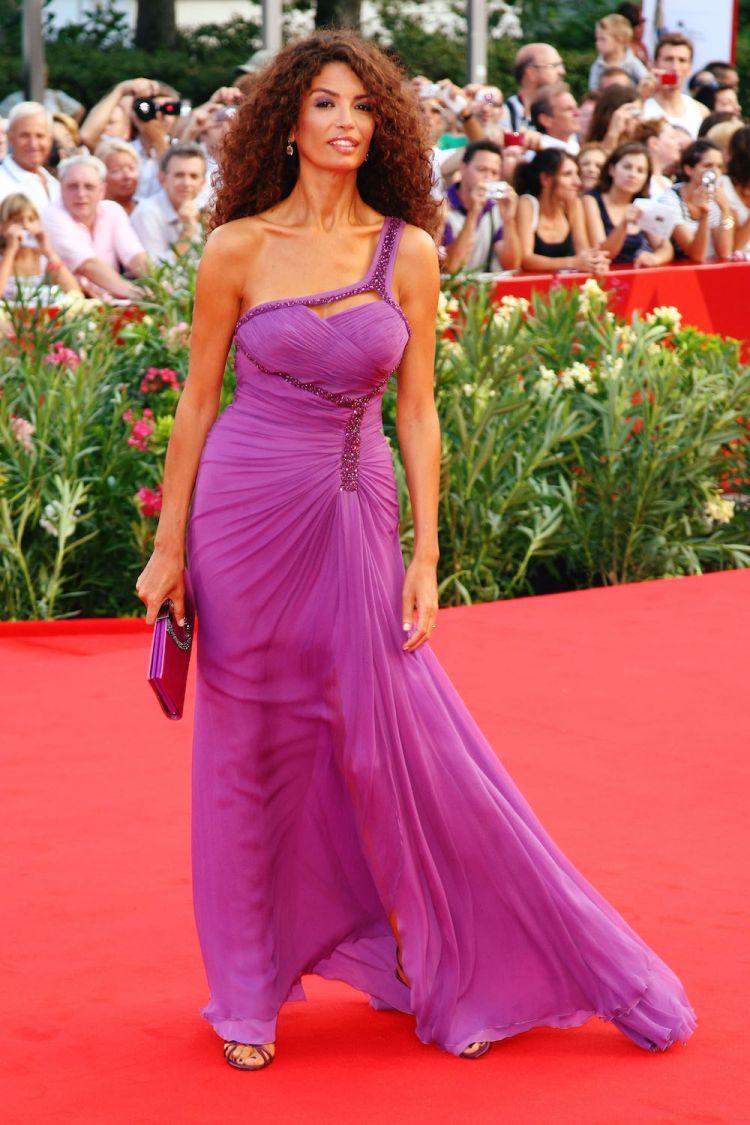 Jnifen porte Versace au Festival de Venise 2009