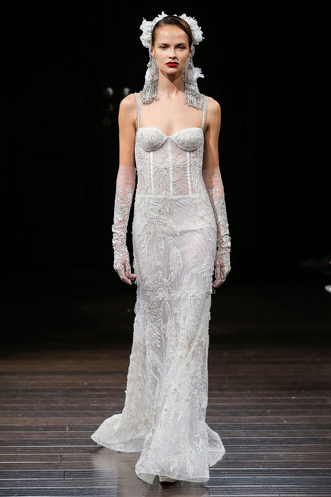 Bridal week 2018 les 6 grandes tendances robes de for Feuille de piano robe de mariage
