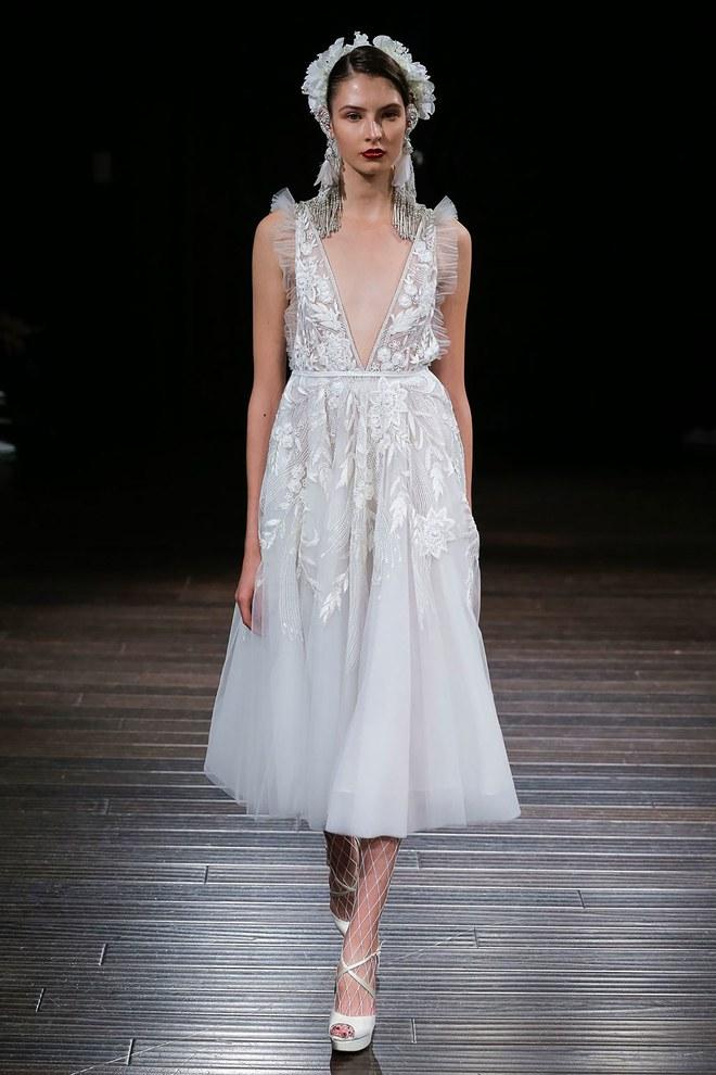 Bridal week 2018 les 6 grandes tendances robes de for Louer la robe de mariage de piste