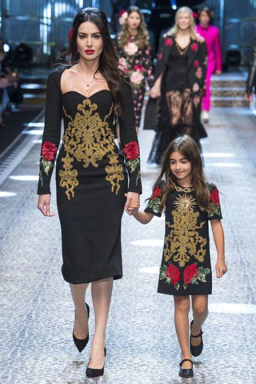 modèle robe noire Dolce & Gabbana Collection Hiver 2018