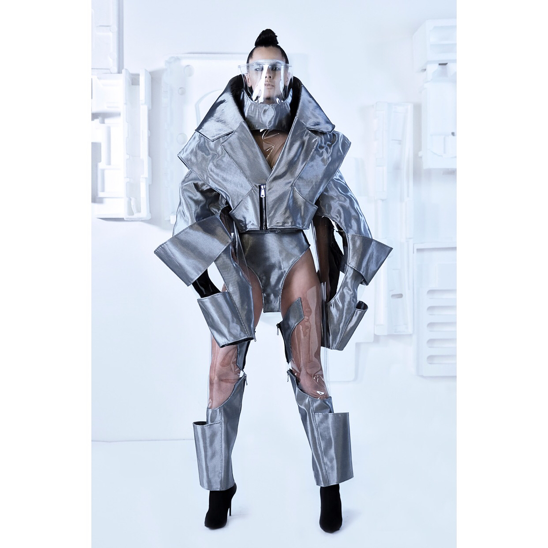 ▪️DESIGNER: @assaadworld ▪️THEME: Cyborg Couture ▪️For the 4th edition of @byfdcofficial by @lipsmanagement ▪️ ABC Verdun Gardens