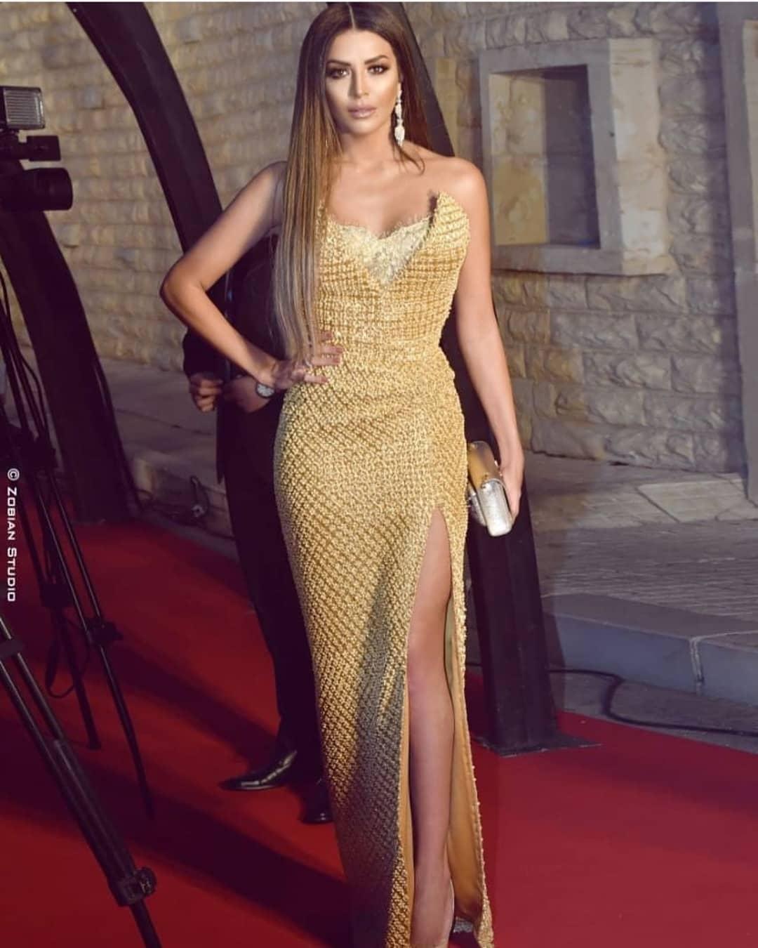 Amel Bouchoucha. royale, comme toujours. elle s'était mise une robe de chez Nicolas Jebran.