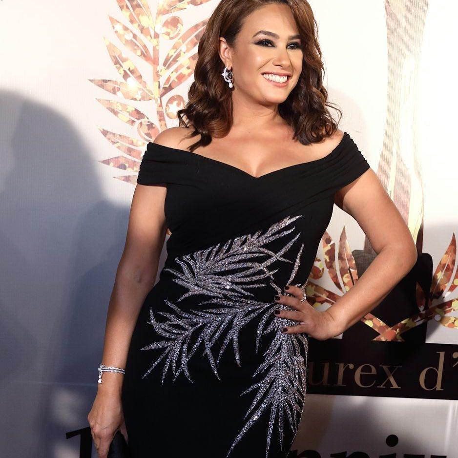 Hend Sabry, meilleure actrice arabe, resplendissante dans une sublime robe noire Georges Hobeika .