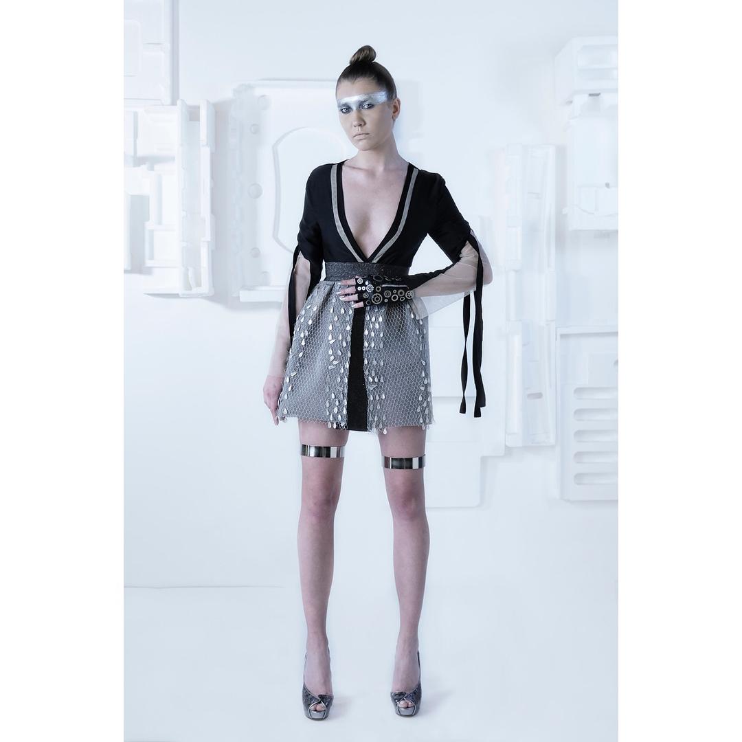 ▪️DESIGNER: @mirella.nemr ▪️THEME: Cyborg Couture ▪️For the 4th edition of @byfdcofficial by @lipsmanagement ▪️ ABC Verdun Gardens