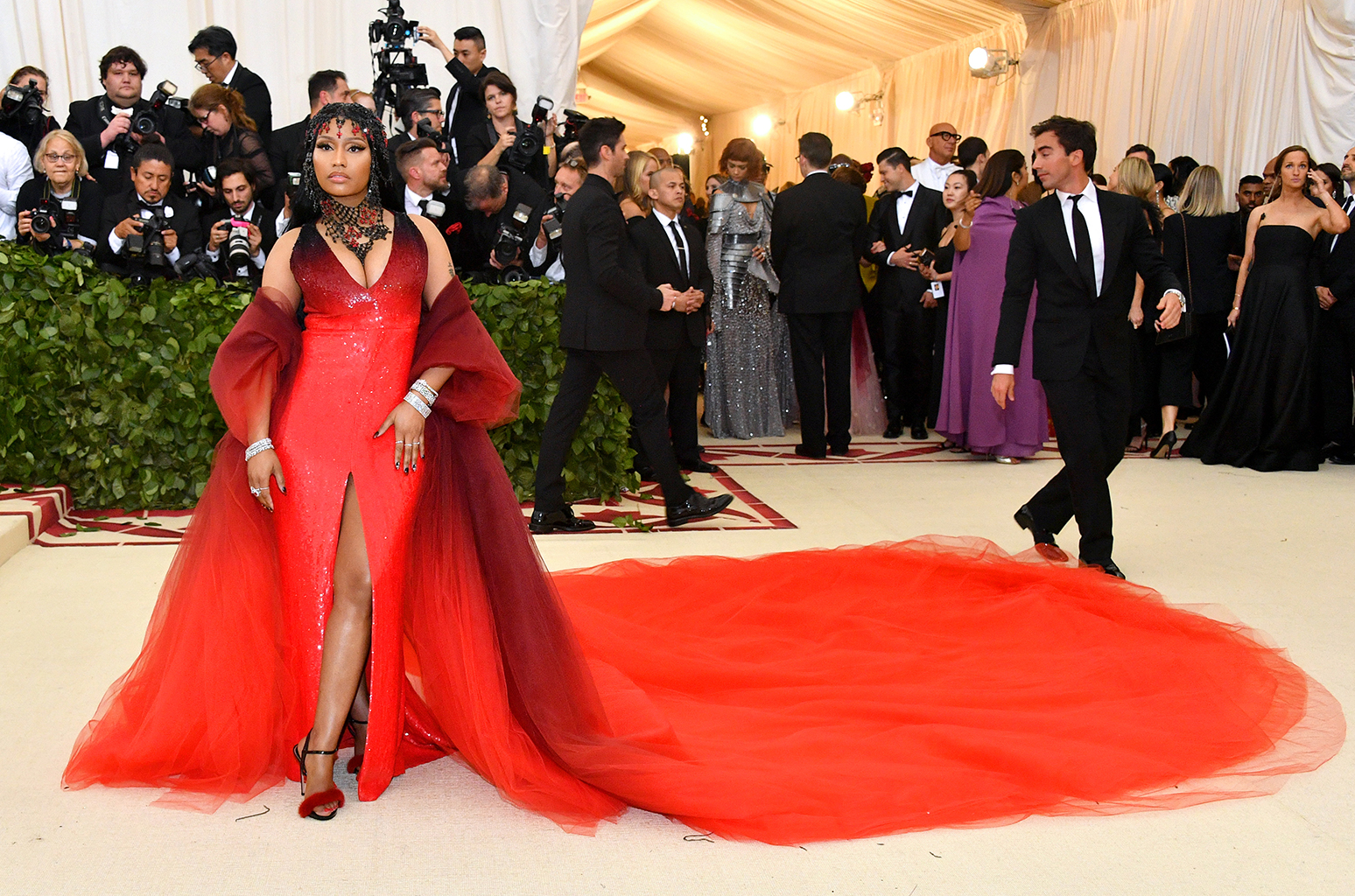 Nicki Minaj in Oscar de la Renta and Tiffany & Co. jewelry