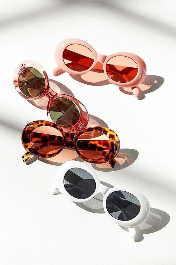 Petites lunettes de soleil inspirées des années 90