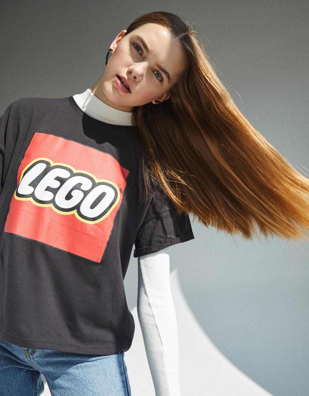 T-shirt gris LEGO - Bershka collection 2019