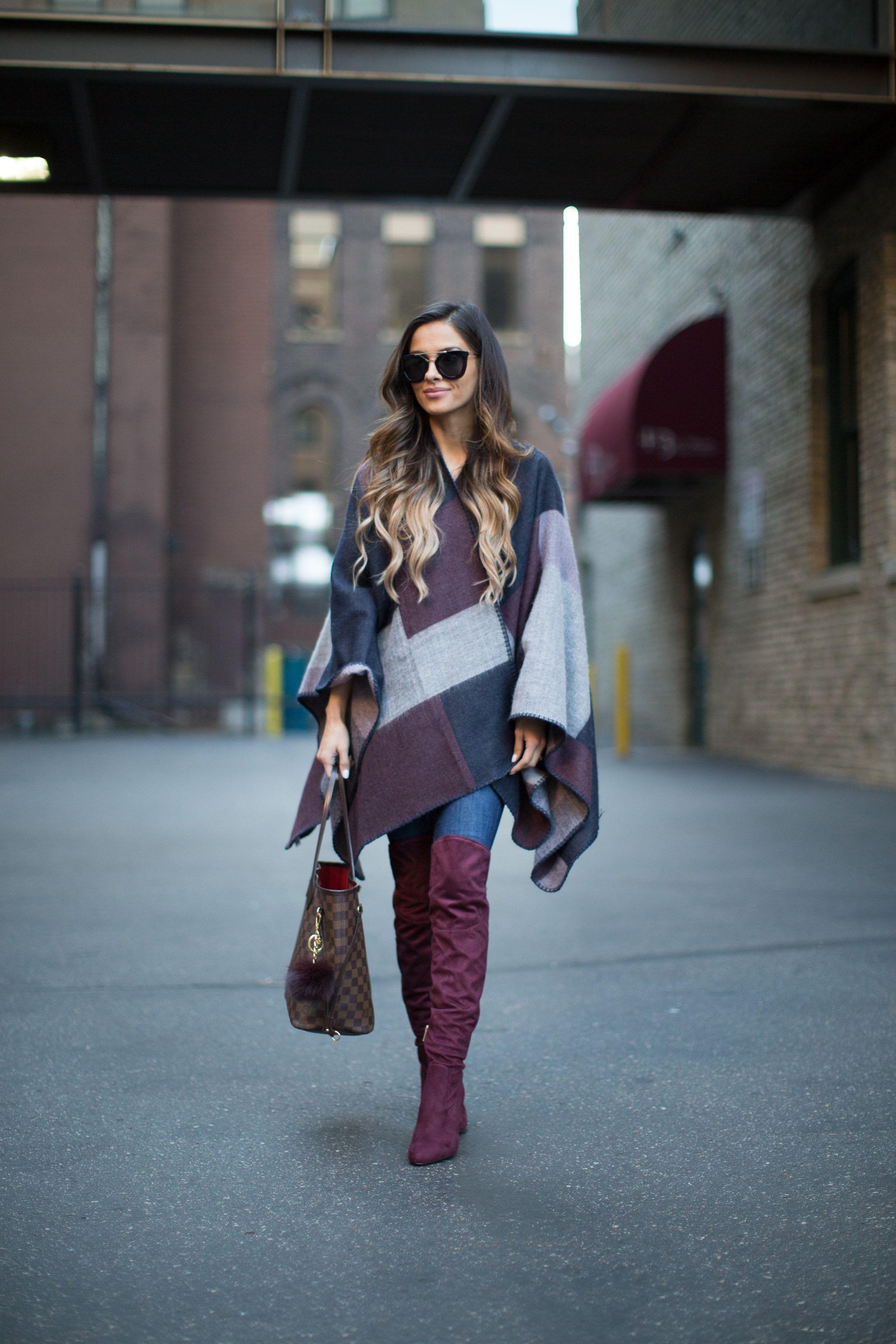 Un poncho est le meilleur allié pour compléter votre look en cuissardes