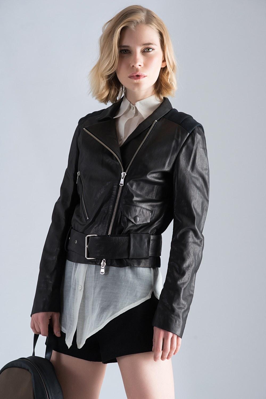 Être féminine avec la veste en cuir – c'est possible! Veste en cuir Noir avec Ceinture Tendance 2019