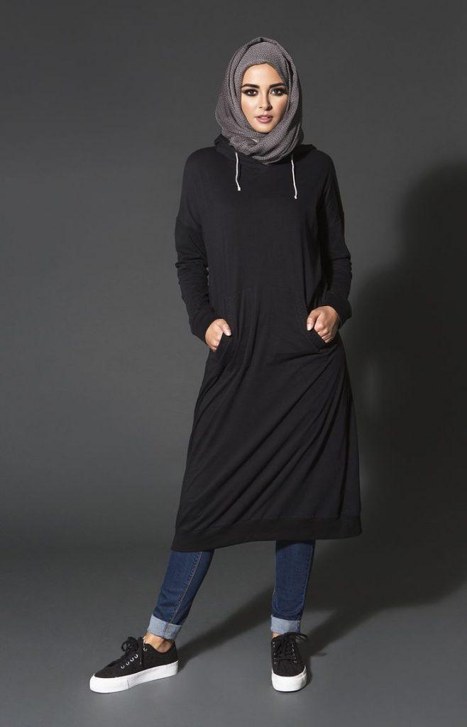 58af09e0c2cea إذا كنتى تبحثى عن مظهر جريء أثناء البقاء في حجابك القطني المريح ، فيمكنك  اللعب على عامل الألوان لأن الحجاب القطن يمكن أن يستمر مع أي قماش شتوي  تقريبًا.