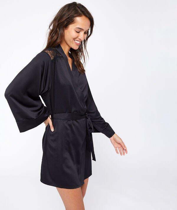 Etam Collection 2020 Pyjamas & Nuit : Kimono satiné épaules et dos dentelle