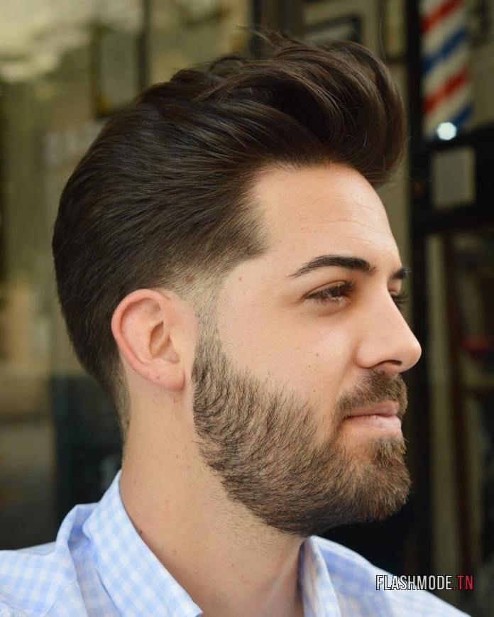 Cheveux brossés en arrière + Dégradé aux tempes et à la nuque
