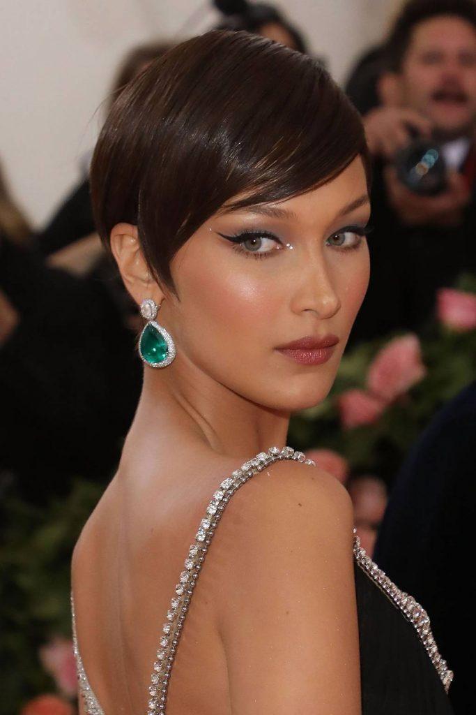 coiffure tres courte 2020 - Bella Hadid