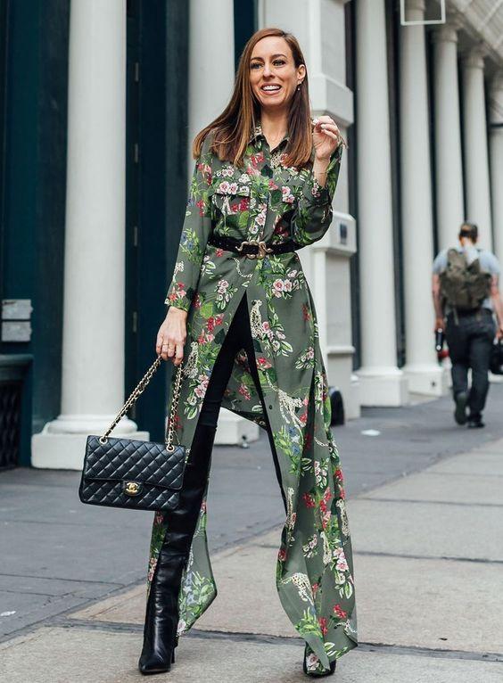 Quel classe ! Ce qu'il y a de bien avec cette tenue, elle se porte autant en journée qu'en soirée, idéale si vous avez un after après votre journée de travail.