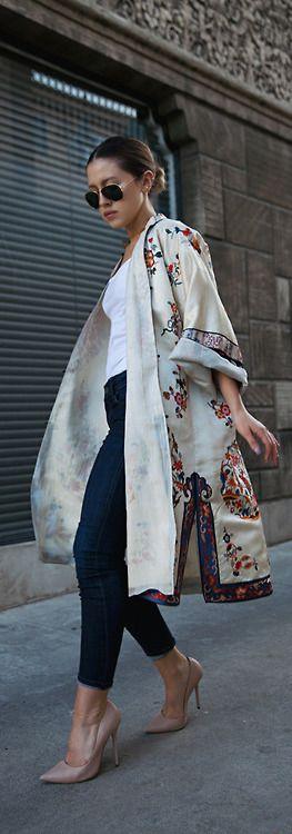 Kimono court très en vogue pour la nouvelle saison