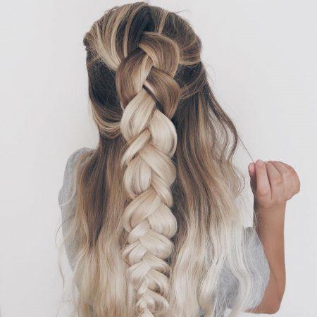 coiffures avec des vagues de tresse maxi de tresse
