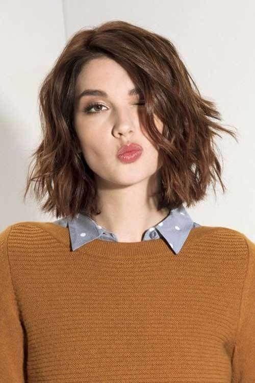 cheveux ondulés cheveux courts cheveux courts