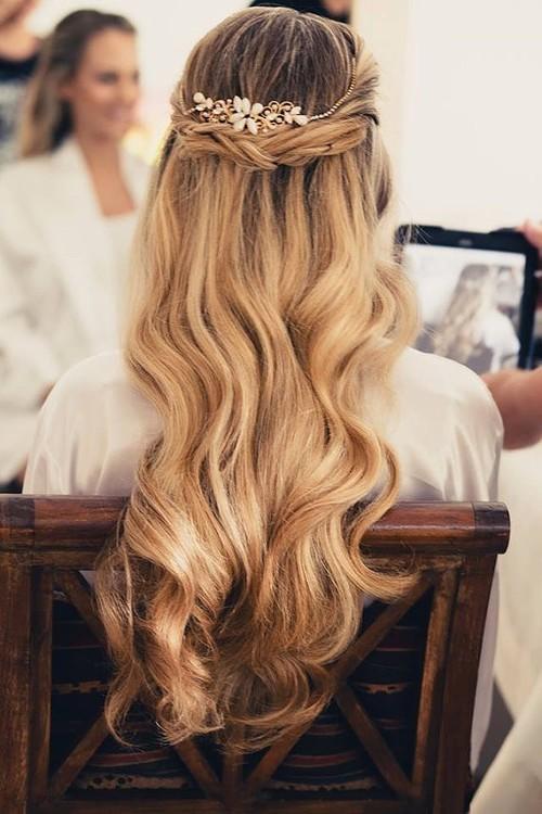 coiffures de partie de demi de queue de queue