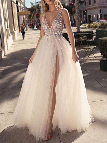 Avec perles, robe de mariée 2020 en col V