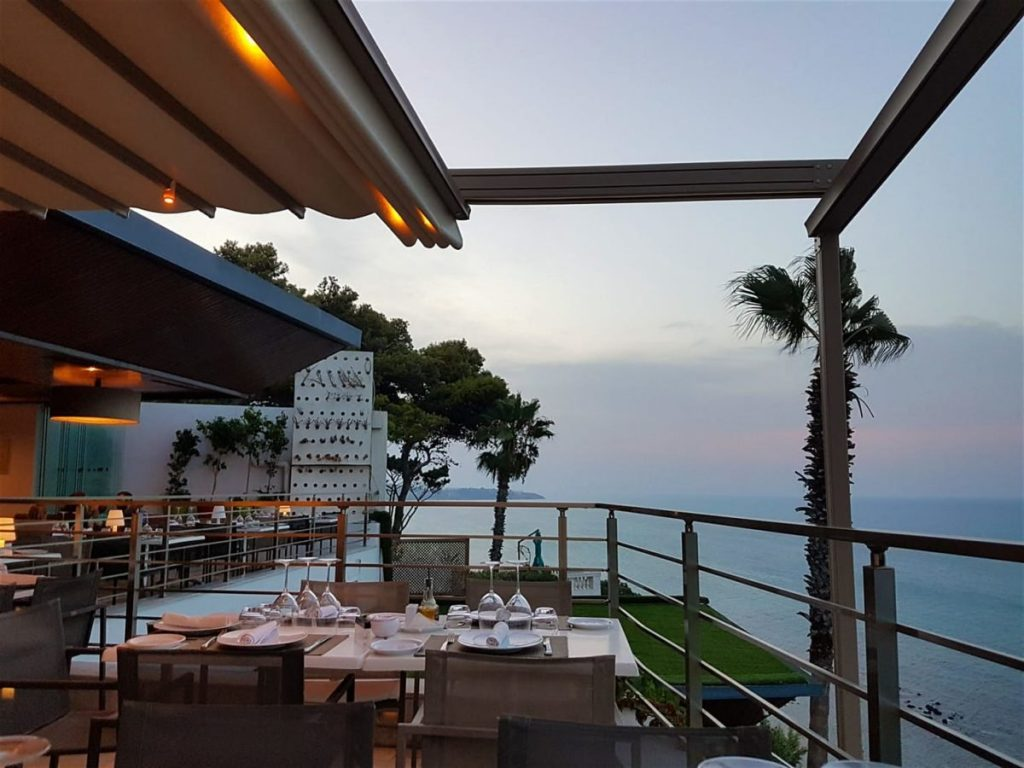 Restaurant The Cliff