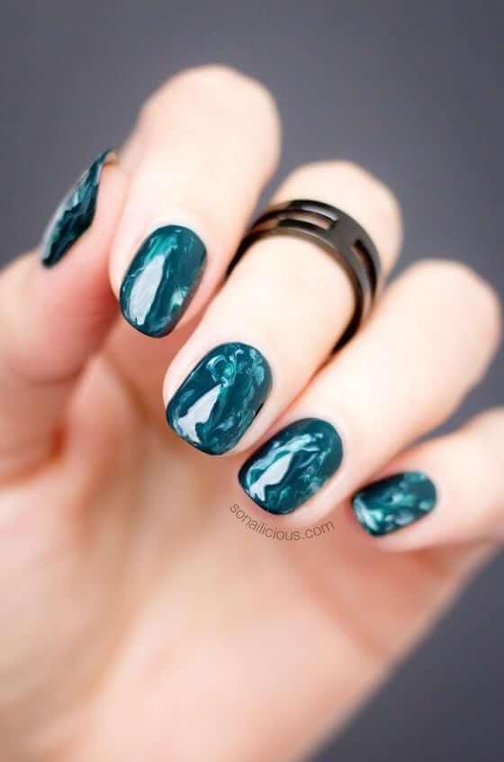 Nail Art unique en acrylique Aqua Blue Swirl