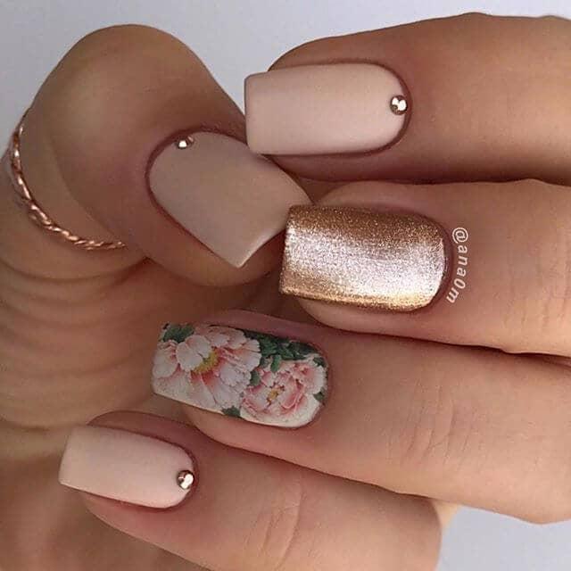 Pivoine rose Design d'ongles
