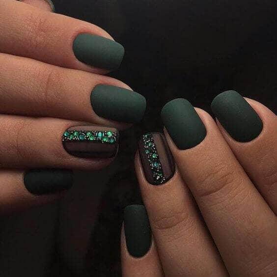 Les meilleurs ongles artificiels en vert émeraude