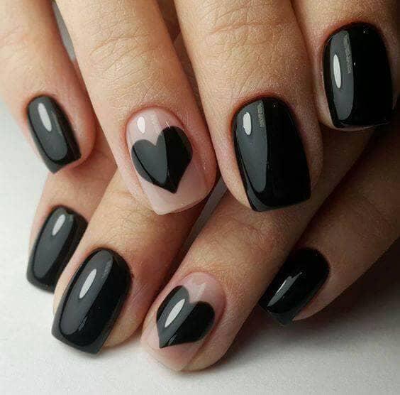 Design des ongles du designer Black Hearts