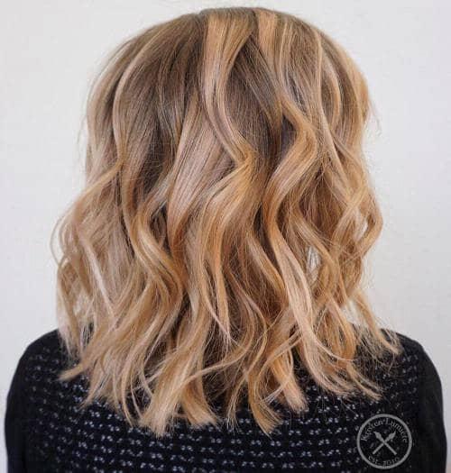 Balayage brun, blond et fraise
