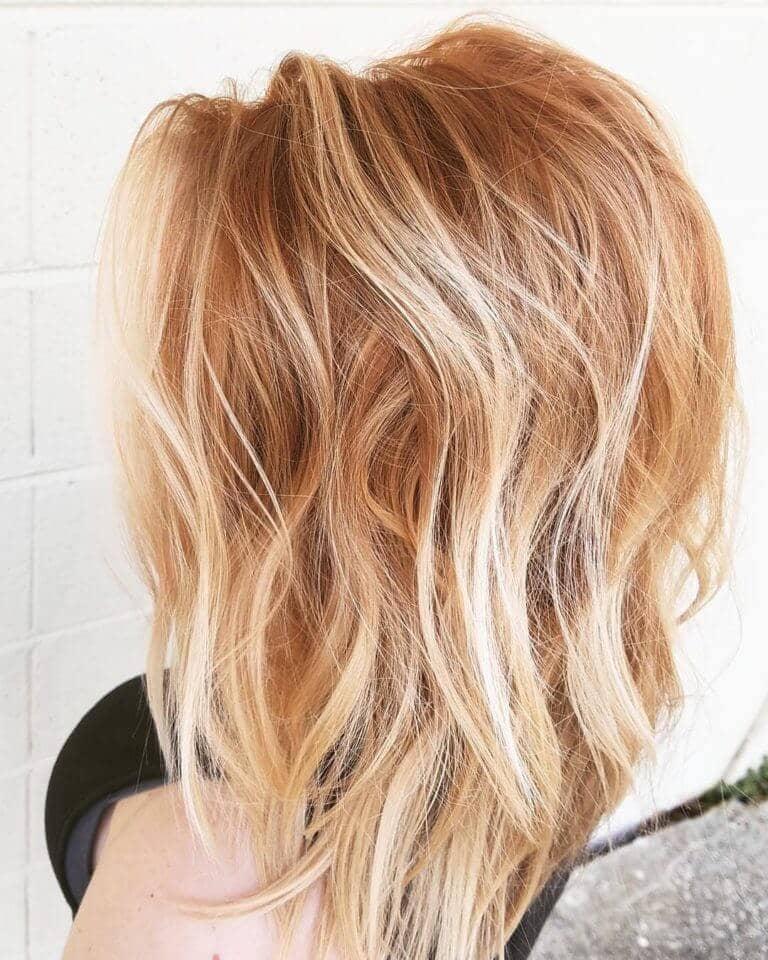 Couleur des cheveux (blonde) au caramel et à la fraise