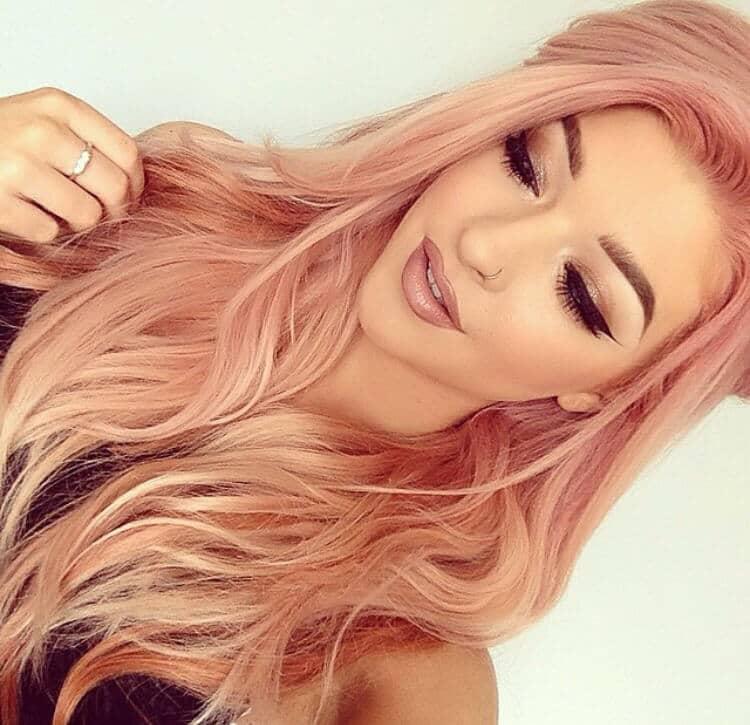 Le parfait blond pastel à la fraise