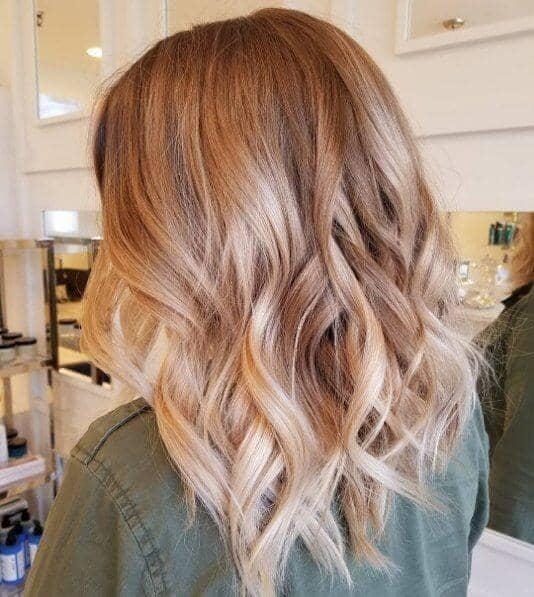 Brun froid avec du blond et de la fraise