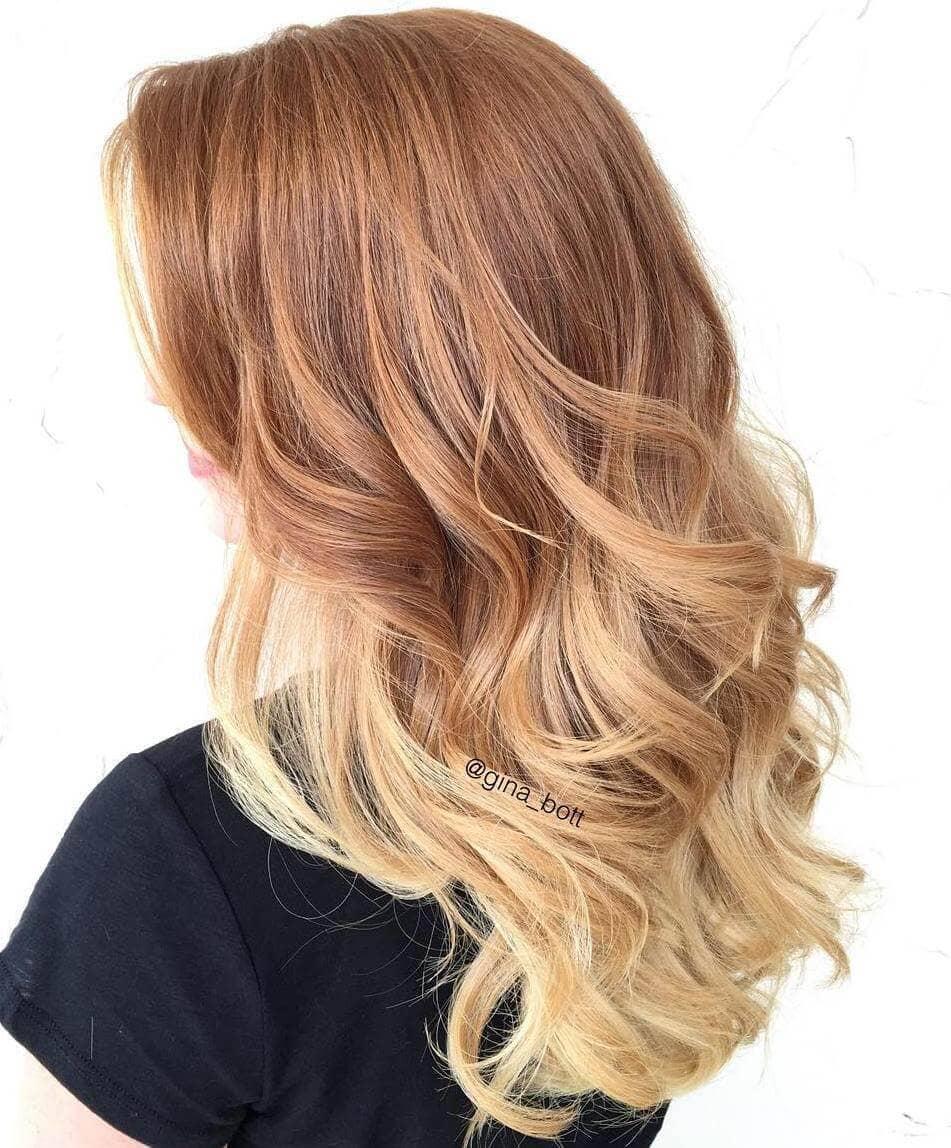 Couleur des cheveux blond-fraise