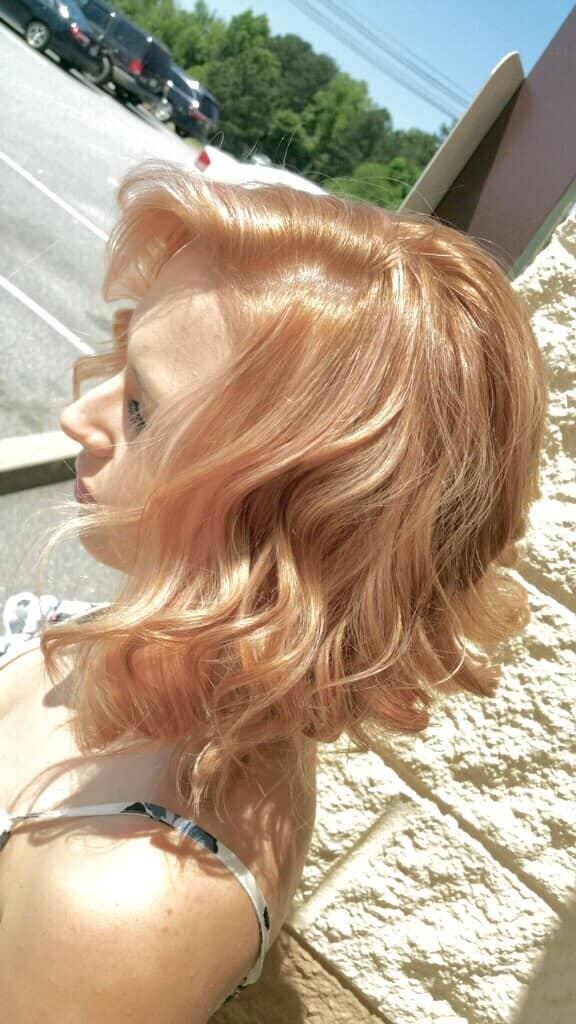 Couleur des cheveux blonde fraise surgelée
