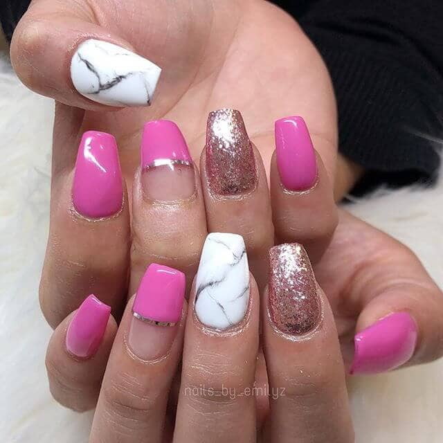 Bloc de couleur rose et or pour l'art des ongles