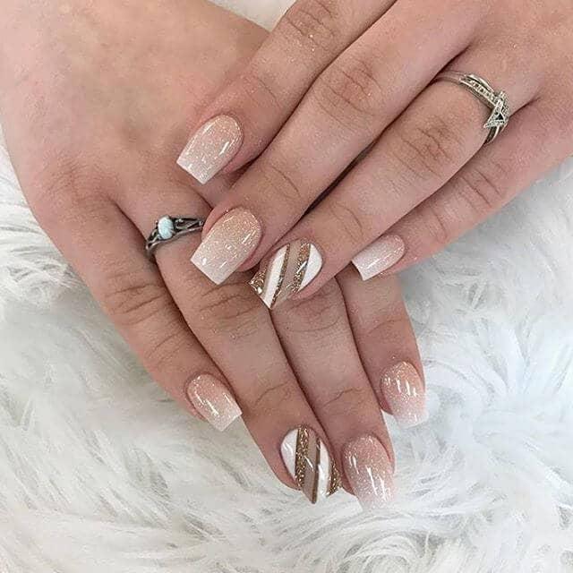 Manucure à la française : des ongles nus frais et superbes