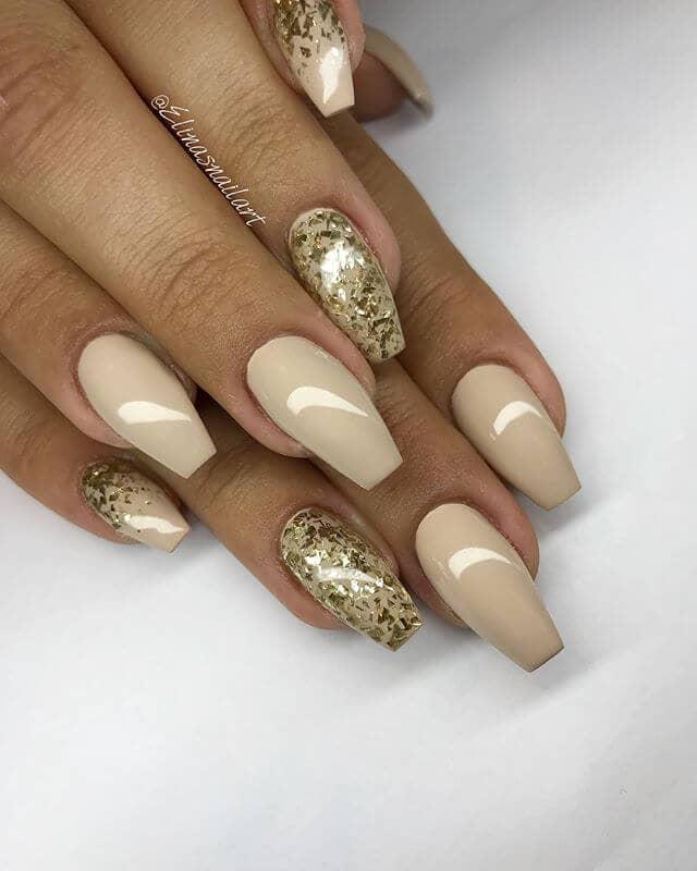 Vernis à ongles pour peau foncée