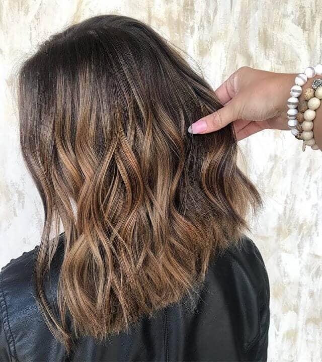 Toutes les entreprises, coupe de cheveux droits pour cheveux bruns
