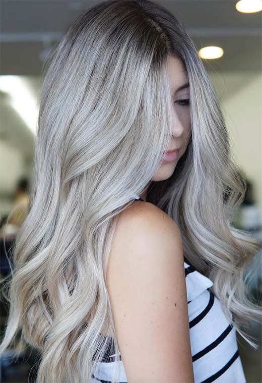 Cheveux blonds cendrés clairs et foncés