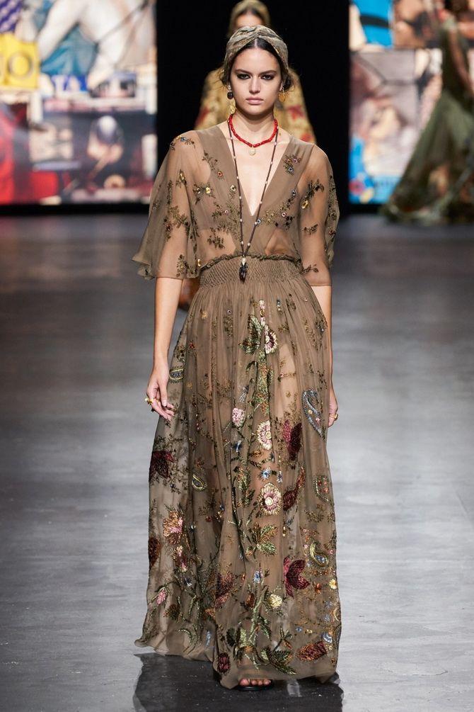 Robes à imprimé floral tendance pour le printemps 2021 3