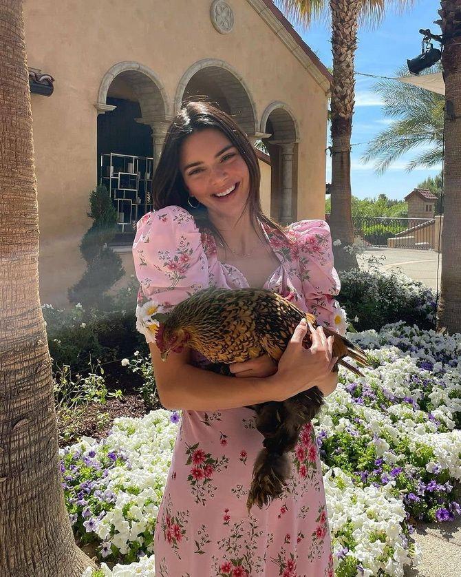 Robes à la mode avec imprimé floral pour le printemps 2021 13